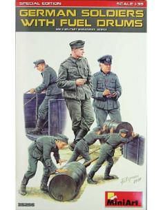 Deutsche Soldaten mit...