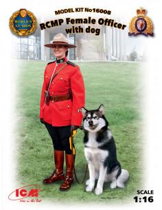 RCMP Offizierin mit Hund